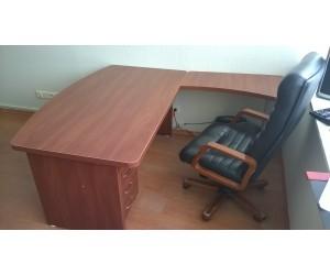 Комплект мебели для кабинета руководителя, цвет Орех