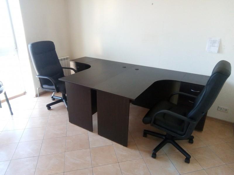 Набор мебели офисной (2 стола 2 кресла), венге. В наличии!