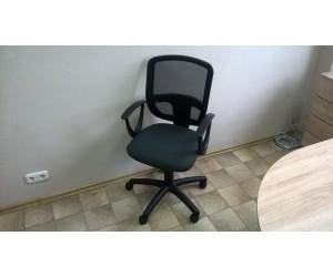 Офисное кресло Бетта