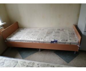 Кровать усиленная с матрасом для жилых комнат